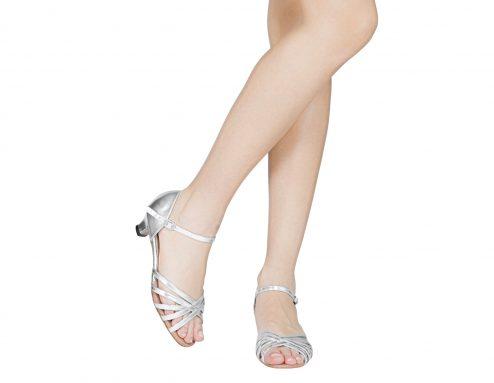 Scarpa Da Ballo Bambina 5 Fasce Colore Argento Tacco 3 5 Cm Slim Indossato