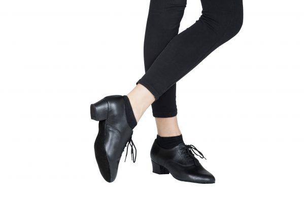 Scarpa Da Ballo Bambino Modello Oxford Colore Nero Tacco 3 5 Cm Indossato