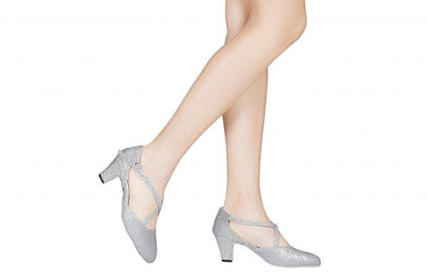 Scarpa Da Ballo E Studio Broadway Cuccarini In Pelle E Tessuto Brillantinato Argento Tacco 5 Cm Indossato