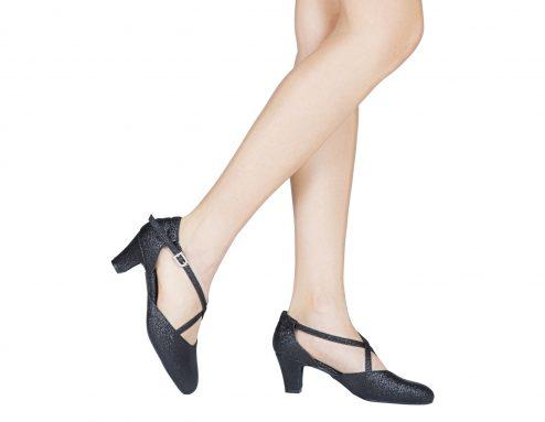 Scarpa Da Ballo E Studio Broadway Cuccarini In Tessuto Brillantinato Nero Tacco 5 Cm Indossato