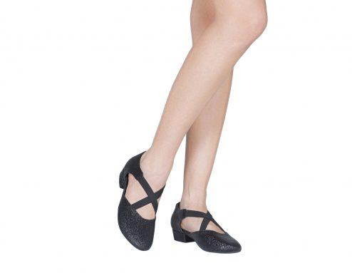 Scarpa Da Ballo Insegnate Colore Nero Brillantinato Tacco 25 Cm Indossato 1