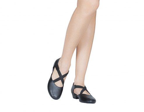 Scarpa Danza Insegnate Colore Nero Tacco 2 5 Cm Indossato