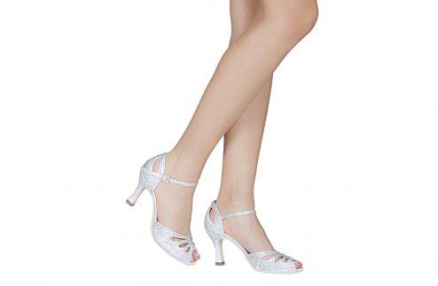Scarpa Da Ballo Limited Edition In Raso Bianco Completamente Ricoperta Di Crystal Strass Aurora Boreale Tacco 75 Cm Indossato