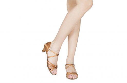 Scarpa Da Ballo 5 Fasce Con Nodino E Incrocio Sulla Caviglia In Raso Flesh Tc Cm 3 5 Indossato