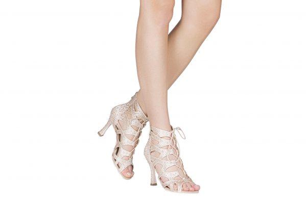 Stivaletto Da Ballo Special Edition In Raso Rosa Con Stringa E Cerniera Chrome Tacco Cm 10 Cm Indossato